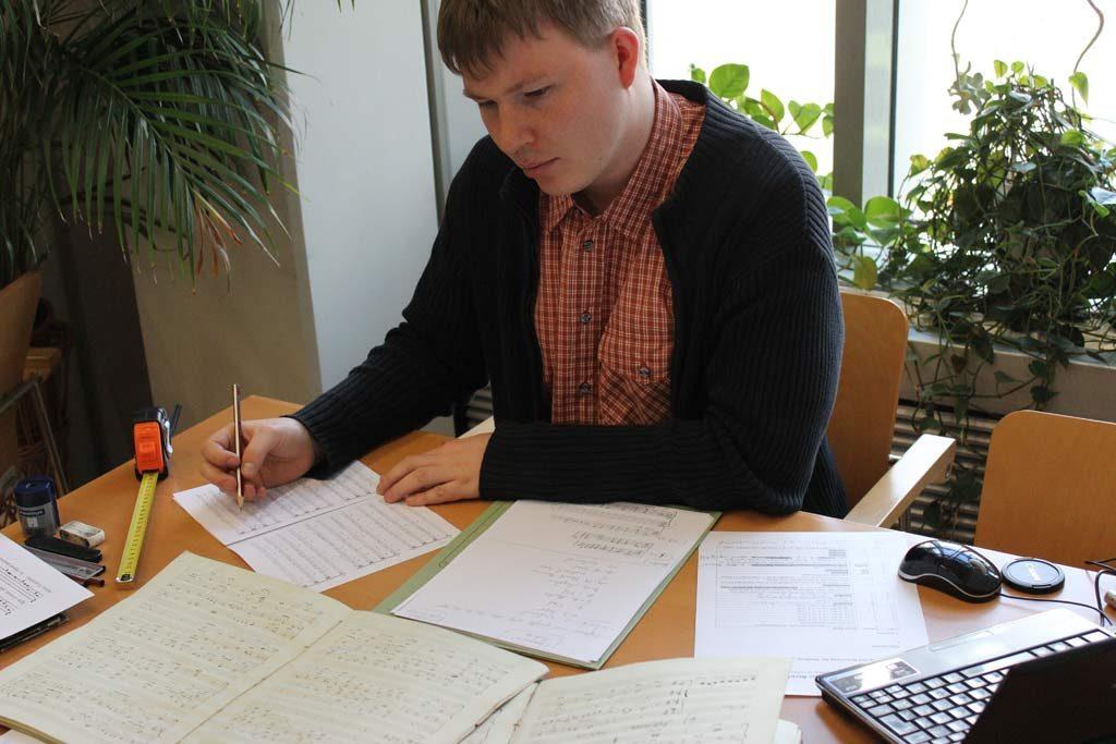 Arbeit an Cherubini-Manuskripten in Krakau.