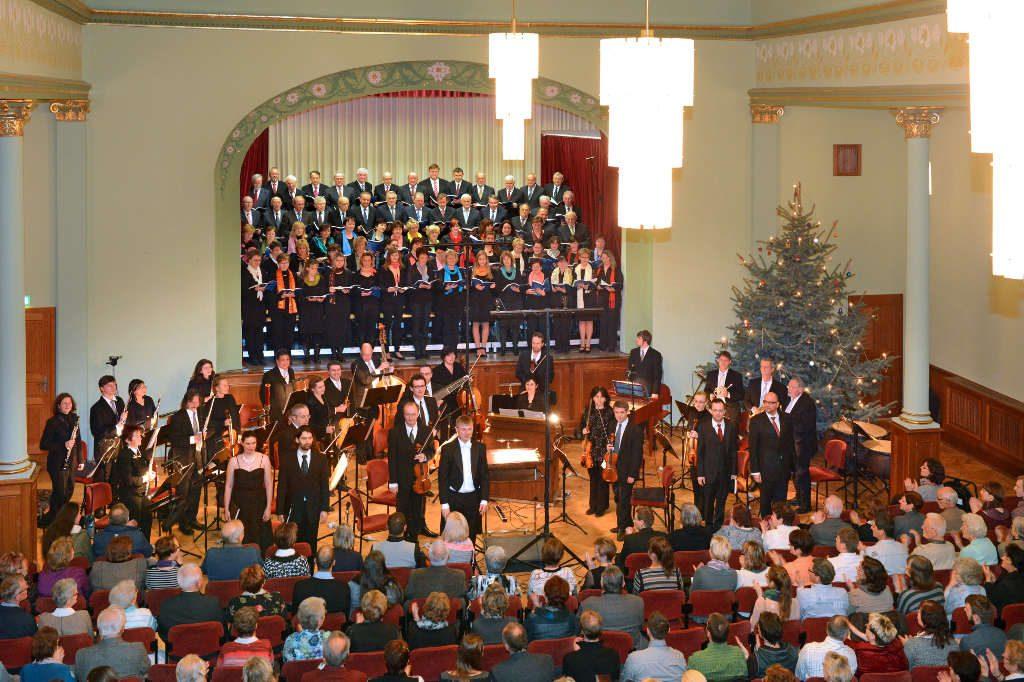 """Das erste """"Ein Dorf singt""""-Konzert am 20.12.2013."""